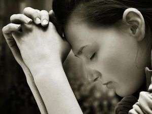 woman-sincere-prayer_si_0