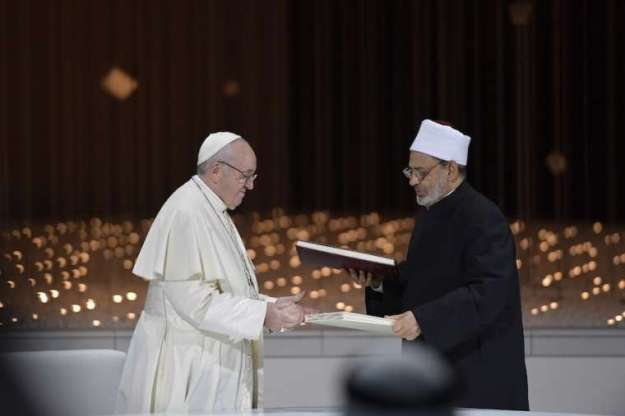 Pope_Francis and Ahmed elTayeb grand_imam of al Azhar signed joint declaration_on_human_fraternity_during at interreligious_meeting_in_Abu_Dhabi_UAE_Feb_4_2019_Credit_Vatican_Media_