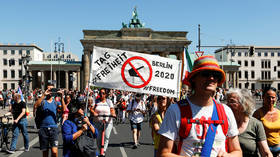 Thousands march in Berlin against mandatory masks & Covid-19 measures (PHOTOS, VIDEOS)