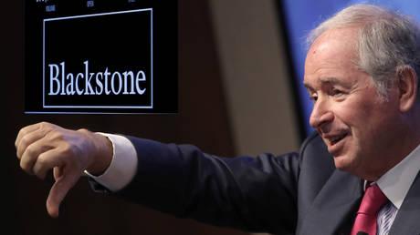 Stephen Schwarzman of Blackstone Group ©  Reuters / Gary He (inset: © Reuters)